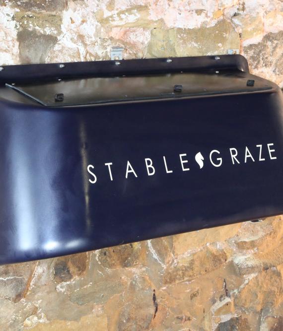 stable, graze